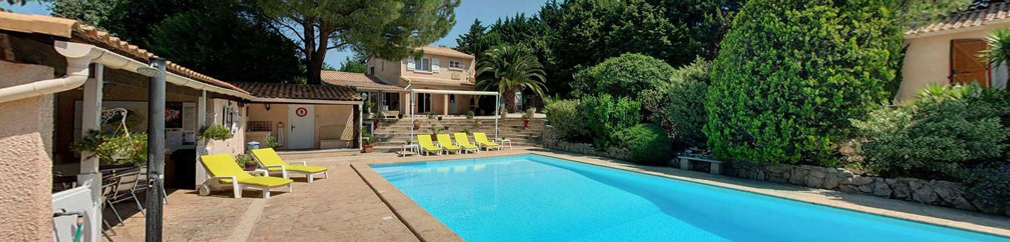 gites et chambre d'hôtes avec piscine en provence